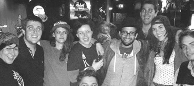 Galeria: Kristen com fãs em Nashville