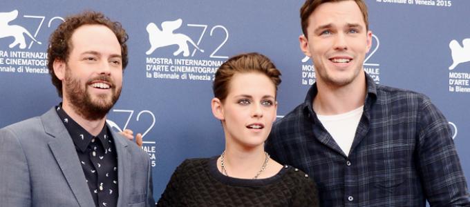 Kristen, Nicholas Hoult e Drake Doremus falam sobre Equals ao AP