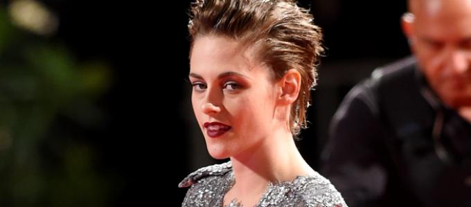 Kristen Stewart fala sobre amor, carreira e a dor de se expor