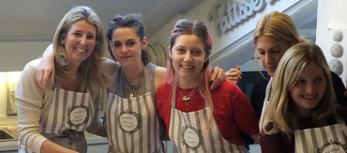 Galeria: Kristen em uma aula de culinária em Roma