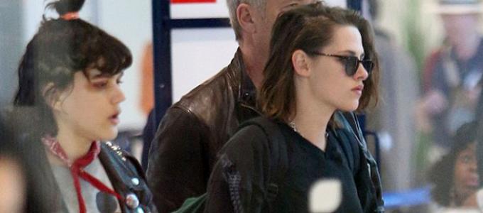 Galeria: Kristen e Soko no aeroporto de Paris