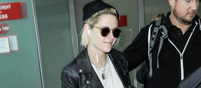 Galeria: Kristen desembarcando no aeroporto de Nice