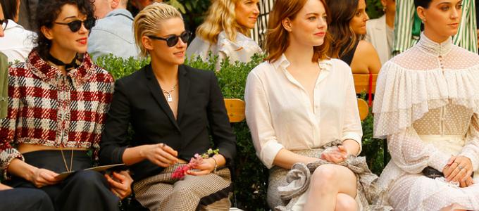 Kristen comparece ao CFDA/Vogue Fashion Fund em Los Angeles
