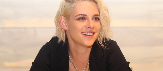 Kristen fala sobre Billy Lynn's Long Halftime Walk em conferência de imprensa