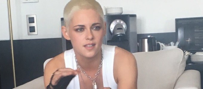 Galeria: Kristen na Press Junket de Come Swim em Cannes