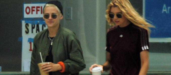 Galeria: Kristen comprando café com Stella Maxwell