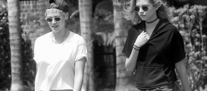 Galeria: Kristen com Stella em Los Angeles ontem