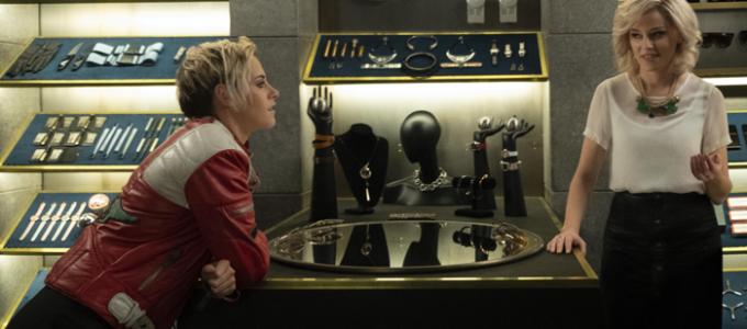 """Elizabeth Banks: """"Kristen Stewart é uma verdadeira heroína de ação"""""""