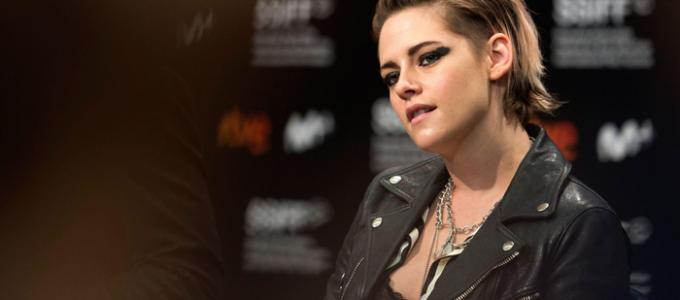 """Kristen Stewart: """"Me sinto atacada, como muitos americanos, pelo meu governo."""""""