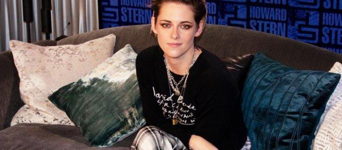 Kristen Stewart visita o programa do Howard Stern