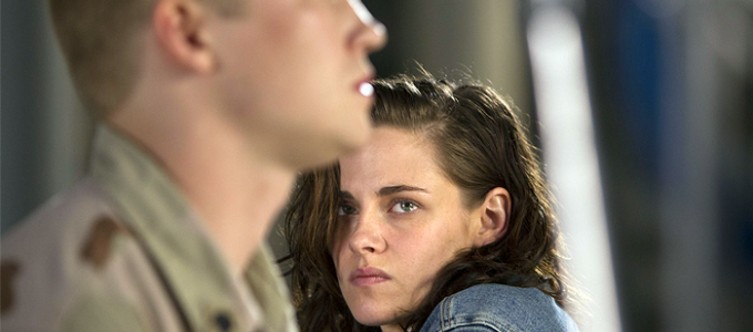 Kristen conversa sobre Billy Lynn's Long Halftime Walk com o STL Today