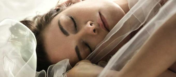 Assista ao comercial do perfume Gabrielle, da Chanel, com Kristen Stewart