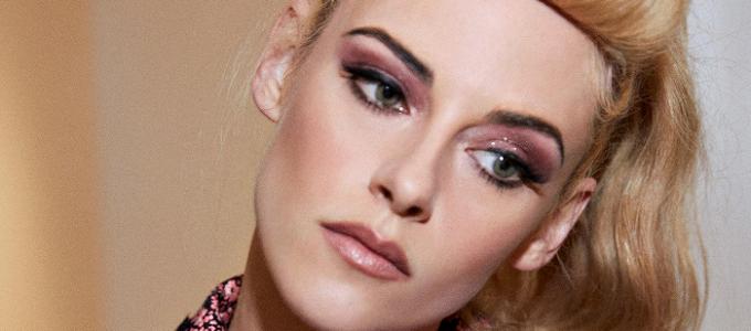 VOGUE: Como Kristen Stewart levou a energia da Barbie Rockabilly para o Met Gala